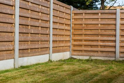 Pose de cl ture bordeaux toute la gironde allo brico33 - Peindre une barriere en bois ...